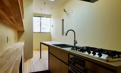 阿倍野の住宅:大阪の狭小住宅 3階建て (3階キッチン)