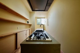 阿倍野の住宅:狭小間口の3階建て住宅 (3階ダイニングキッチン)
