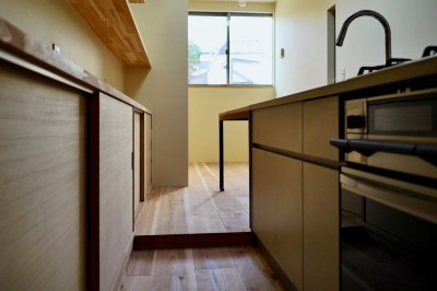 3階キッチン (阿倍野の住宅:大阪の狭小住宅 3階建て)