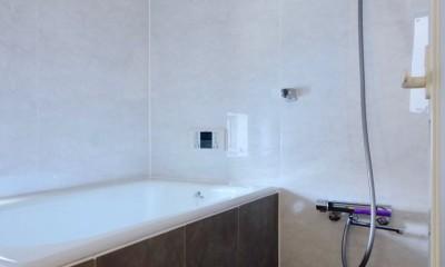 阿倍野の住宅:大阪の狭小住宅 3階建て (2階浴室)