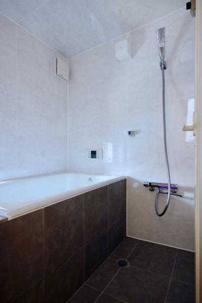 2階浴室 (阿倍野の住宅:大阪の狭小住宅 3階建て)