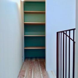 阿倍野の住宅:狭小間口の3階建て住宅 (3階パントリー)