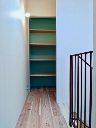 3階パントリー (阿倍野の住宅:大阪の狭小住宅 3階建て)