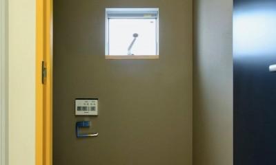 阿倍野の住宅:大阪の狭小住宅 3階建て (3階トイレ)