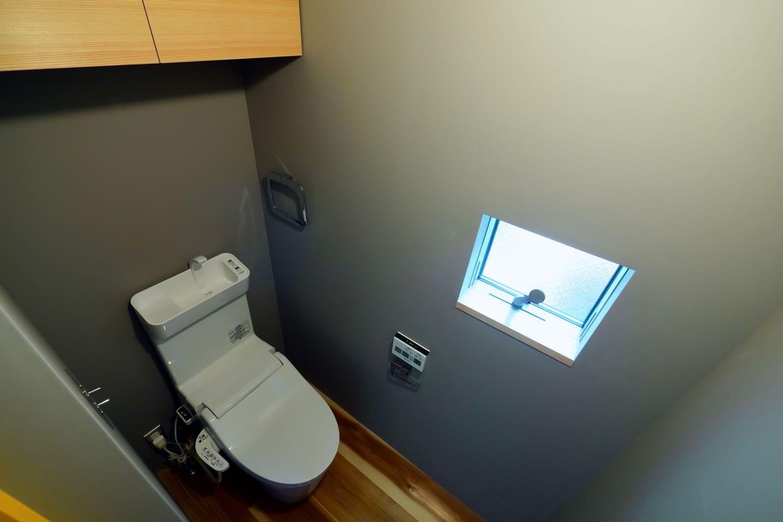 バス/トイレ事例:3階トイレ(阿倍野の住宅:狭小間口の3階建て住宅)