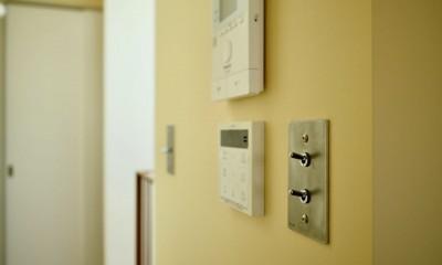 阿倍野の住宅:大阪の狭小住宅 3階建て (3階廊下.トグルスイッチ)
