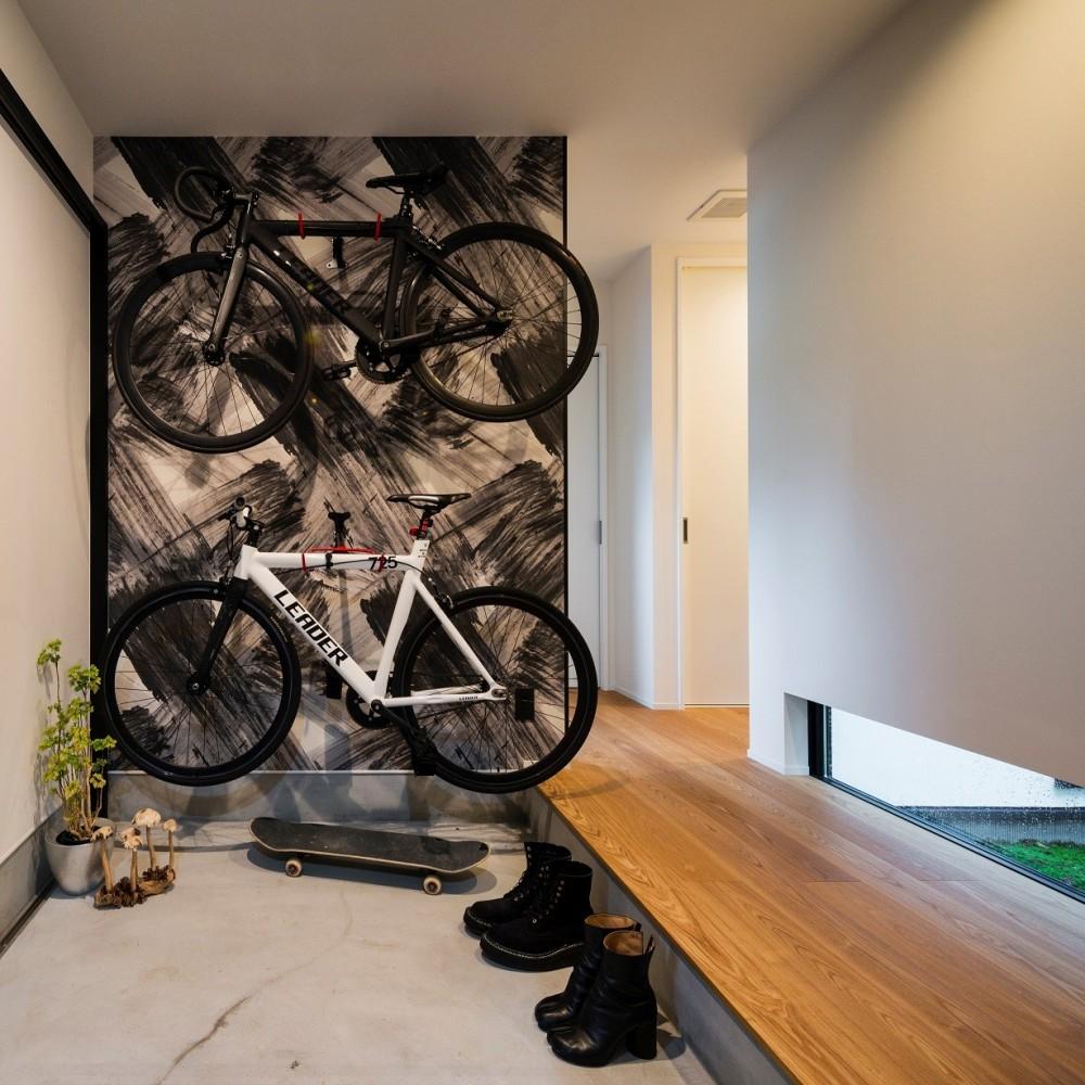 建築家:グランハウス一級建築士事務所「全方向から眺めてカッコいい「ロの字の平屋」」