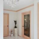 パリの家 Le Logement de Paris憧れの住まいを。の写真 床暖房を設けた大理石の玄関ホール