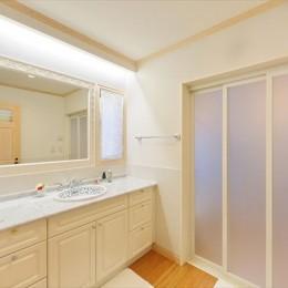 パリの家 Le Logement de Paris憧れの住まいを。 (輸入大理石の洗面台)
