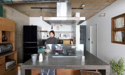 57平米に込めた夫妻の想い (キッチン)