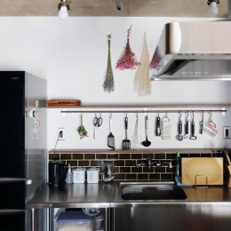 キッチン (57平米に込めた夫妻の想い)