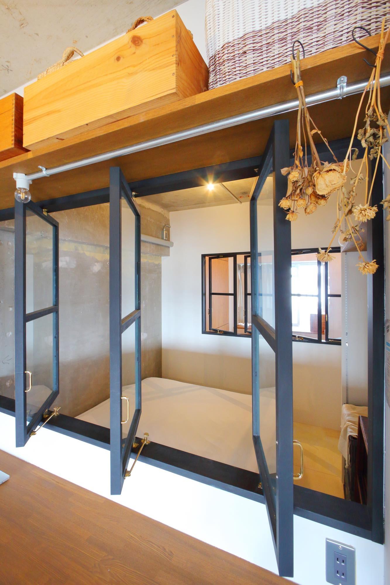 ベッドルーム事例:ベッドルーム(大空間に広がるヘリンボーン)