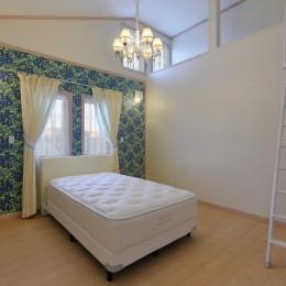 パリの家 Le Logement de Paris憧れの住まいを。 (開放的なロフトを設けた寝室)