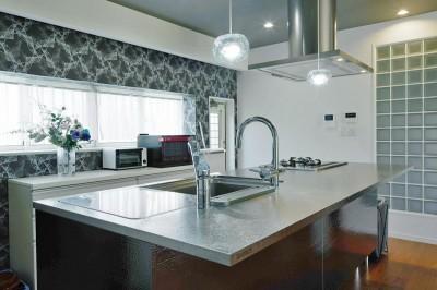 キッチン (多様性リノベーション~個々の空間も確保しつつ、集う場を広く~)