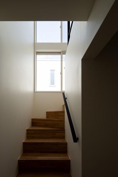 階段 (北綾瀬の家)
