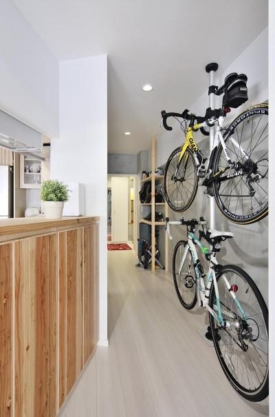 Attracting bicycle (ホワイトスタジオ)
