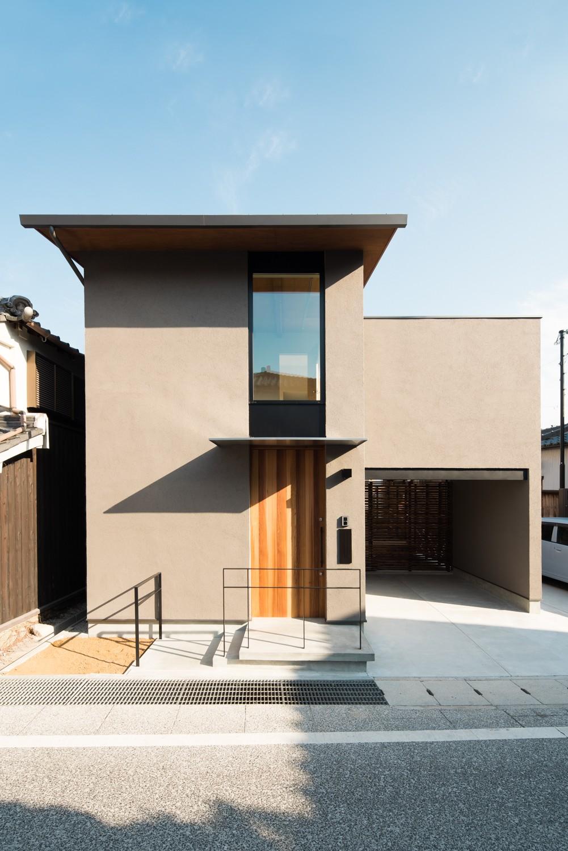 外観事例:外観(参道沿いの家~らせん階段でつなぐ2世帯住居~)