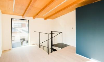 参道沿いの家~らせん階段でつなぐ2世帯住居~ (アトリエ)