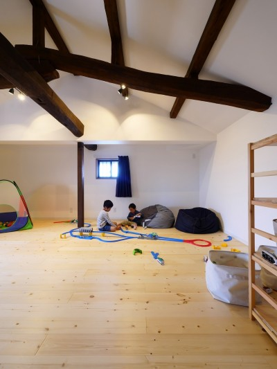 アウトドアを楽しむ家 (2階の子供部屋)