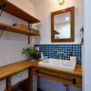 アウトドアを楽しむ家の写真 造作洗面台
