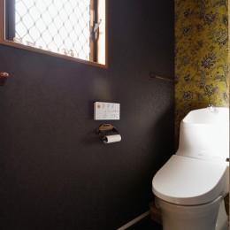 家族の好きな色と想いをカタチに (トイレ(2階))