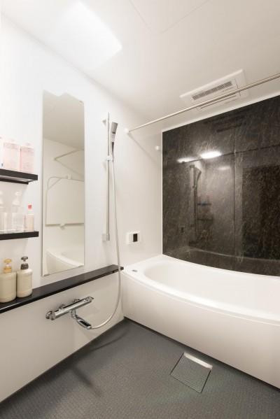 浴室 (中古マンションリノベーション〜「自分らしい空間を実現したい」)