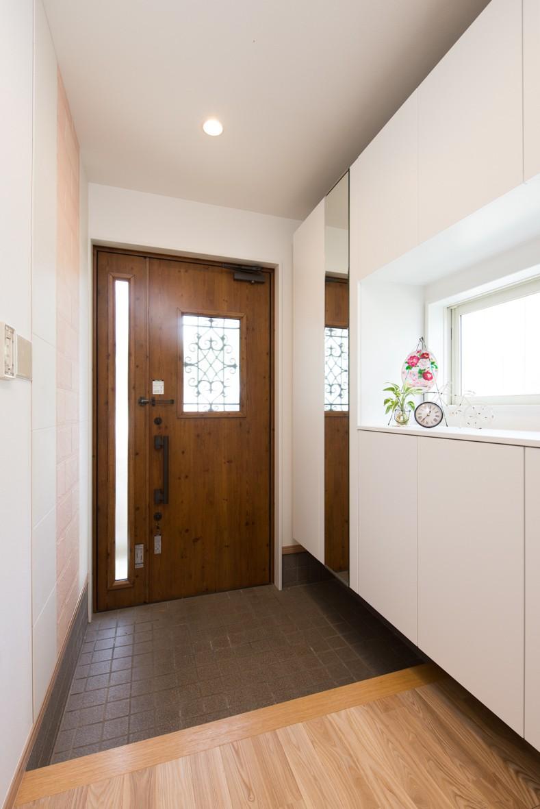 玄関事例:玄関(自然素材でスケルトンリフォーム!増築し、耐震補強も)