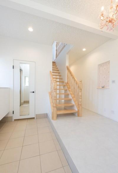 階段 (家族3人とワンちゃんが心地よく暮らす、戸建リノベーション)