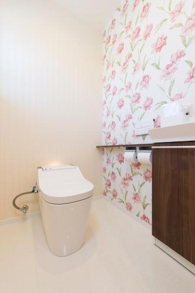 トイレ (家族3人とワンちゃんが心地よく暮らす、戸建リノベーション)