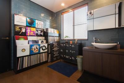 洗面スペース (お母様と同居&趣味も楽しめる!戸建て全面リフォーム)