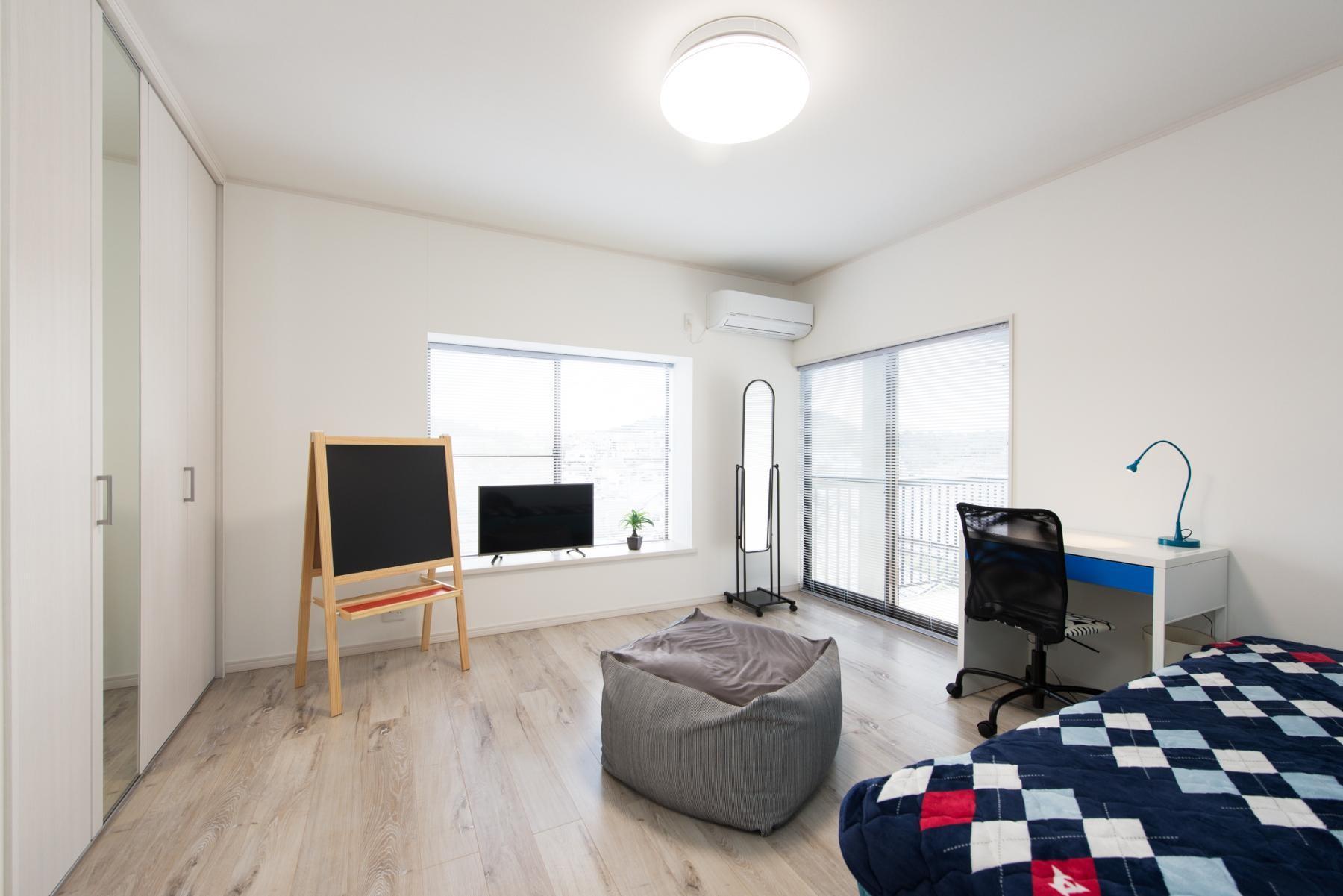 ベッドルーム事例:洋室(お母様と同居&趣味も楽しめる!戸建て全面リフォーム)