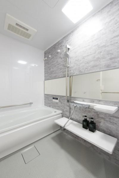 浴室 (ご夫婦がゆったりくつろげる間取りに全面改装)