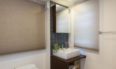 ホテルのようなスタイリッシュな内外装に全面リフォーム (トイレ)