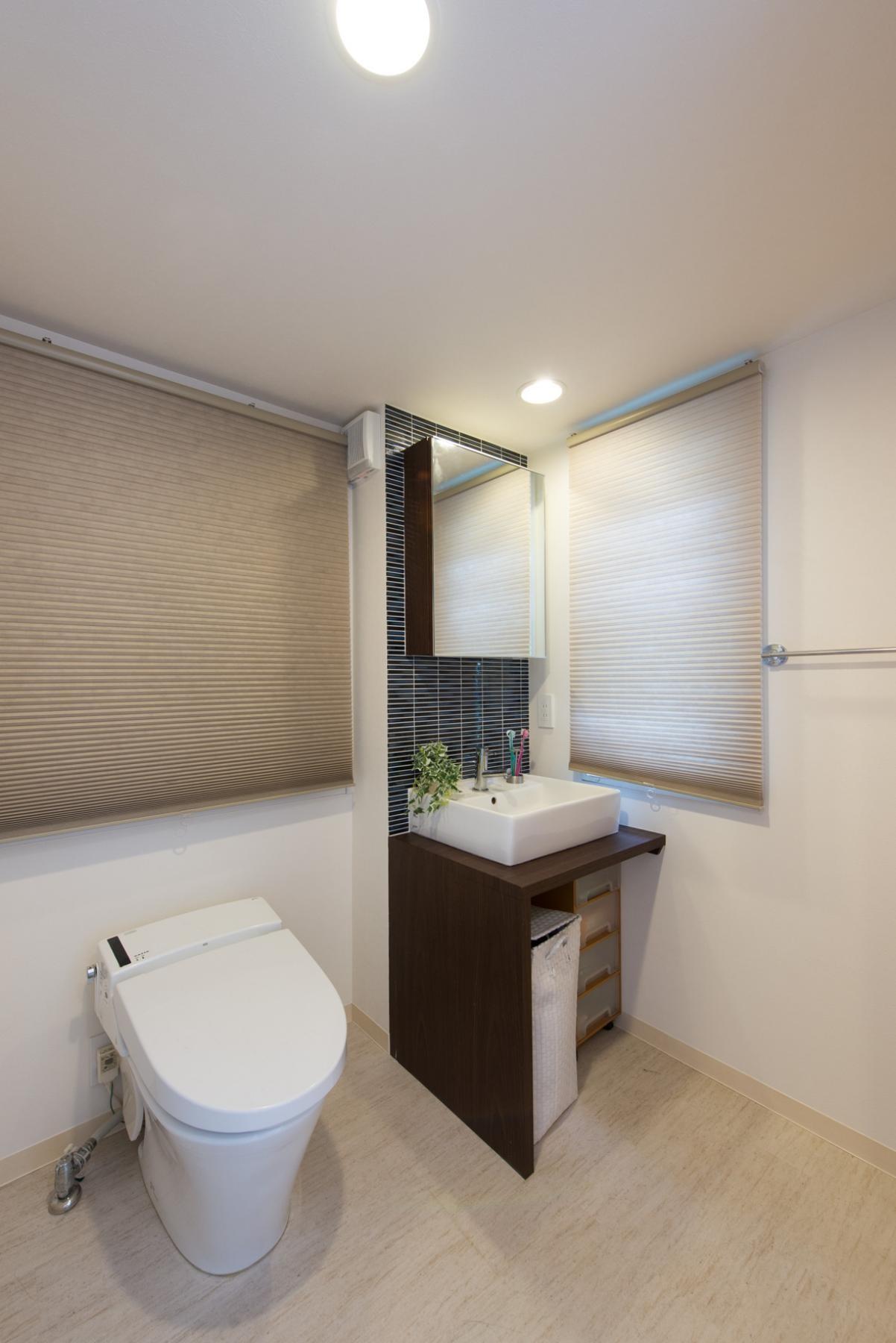 バス/トイレ事例:トイレ(ホテルのようなスタイリッシュな内外装に全面リフォーム)