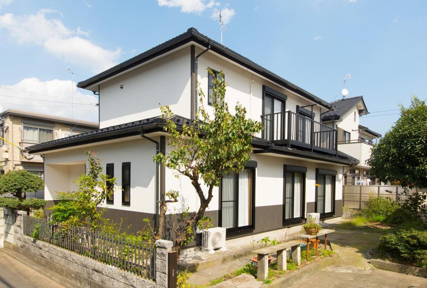 外観事例:外壁と屋根(北欧風ナチュラルインテリアに!戸建て全面改装)
