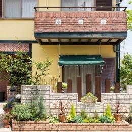 イタリアがテーマ!明るい日差しが似合う、外構エクステリアに (タイル、ブロック塀、)