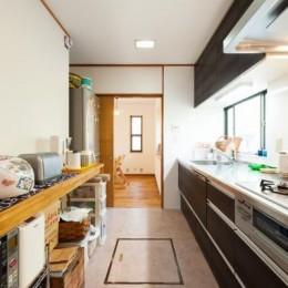 中古戸建て〜和を活かして、落ち着いた雰囲気にリフォーム (キッチン)