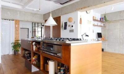 模様替えを楽しめる、土間のある家 (キッチン)