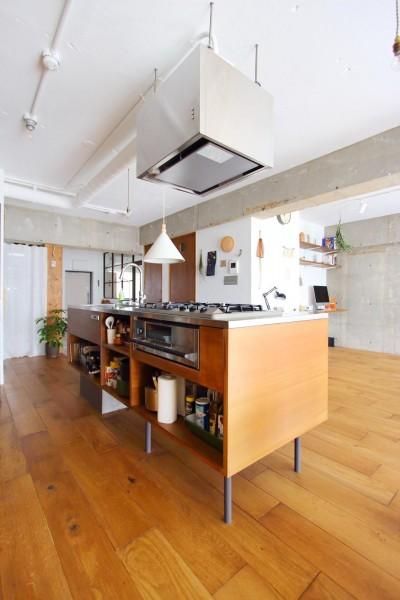 キッチン (模様替えを楽しめる、土間のある家)