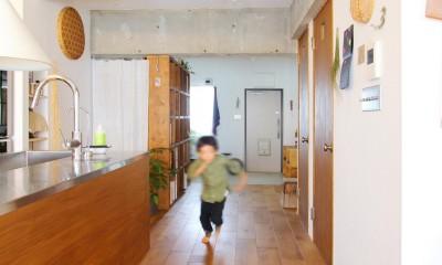 模様替えを楽しめる、土間のある家 (LDK)