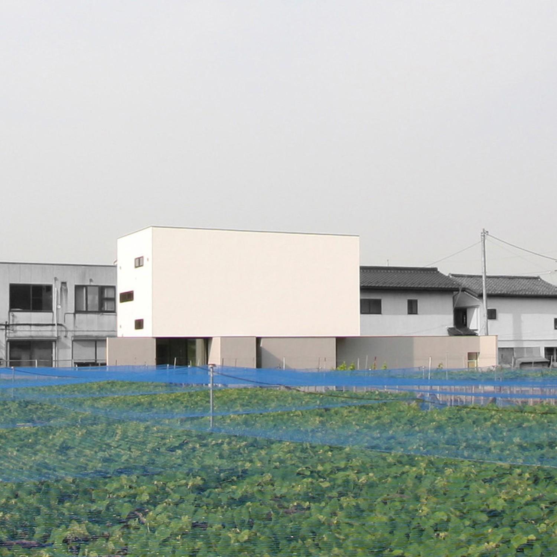 外観事例:外観(ミニマルデザインのハコ型の家)