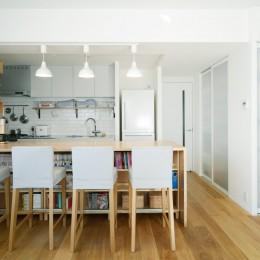 LDK (『無印な住まい』 ― 家具を部屋に溶け込ませて)
