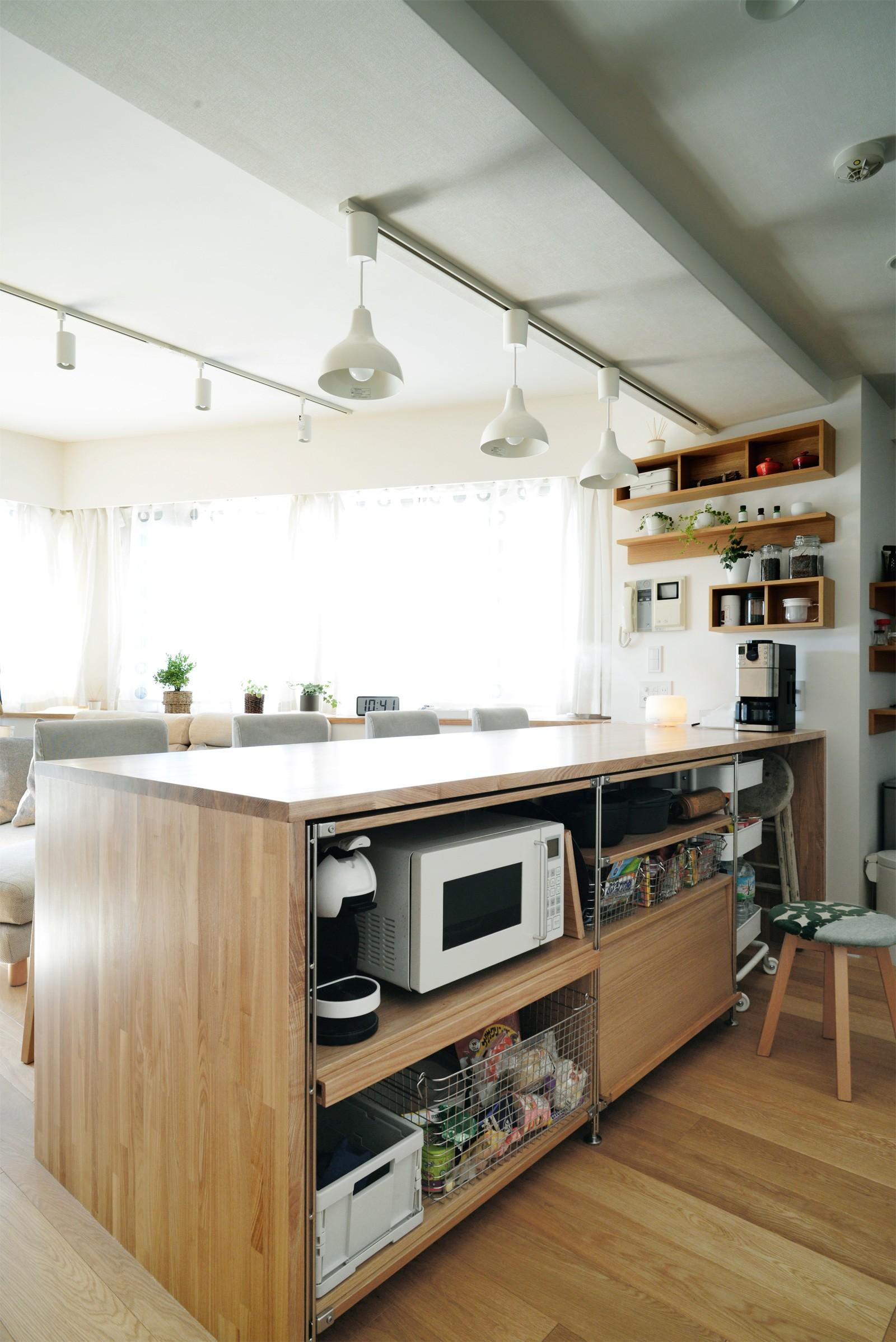 リビングダイニング事例:キッチン(『無印な住まい』 ― 家具を部屋に溶け込ませて)