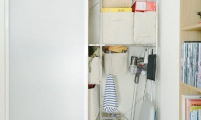 『無印な住まい』 ― 家具を部屋に溶け込ませて (リビング収納)