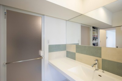 洗面室 (ご祖父母から受け継いだ築39年のスケルトンリノベーション)
