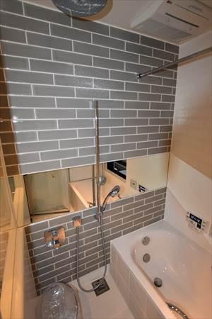 バス/トイレ事例:バスルーム(目黒の家~狭小地に縦に広く暮らす家~)