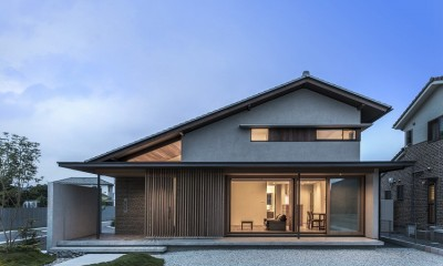滝田の家 (外観夕景)
