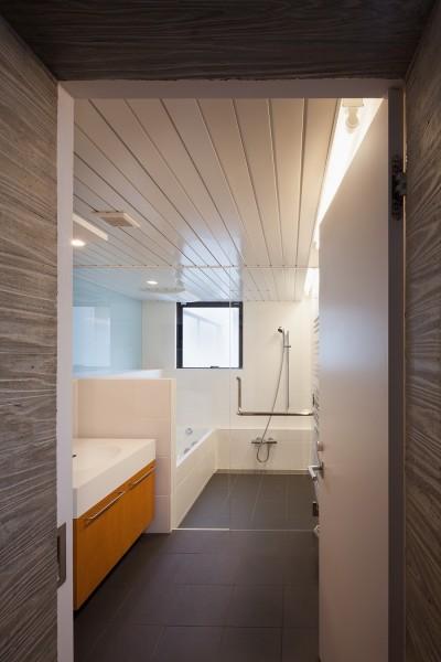 2階浴室 (野沢の住宅)
