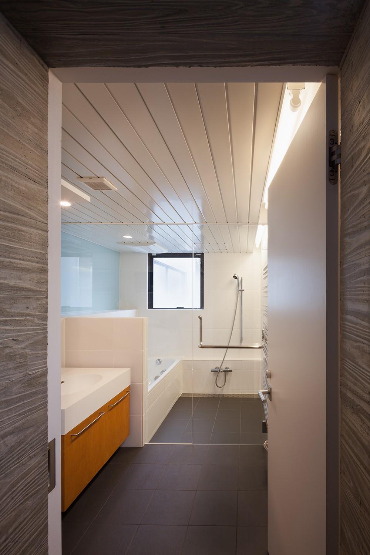 野沢の住宅 (2階浴室)