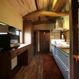 キッチン (新旧が息吹を与え合う家)
